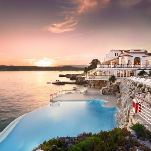 Fancy a swim? 10 amazing pools that will seduce you Fancy a swim? 10 amazing pools that will seduce you Amazing pools H  tel du Cap Eden1 310x310