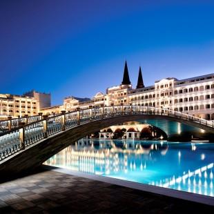 Fancy a swim? 10 amazing pools that will seduce you Fancy a swim? 10 amazing pools that will seduce you Amazing pools Mardan Palace Resort1 310x310