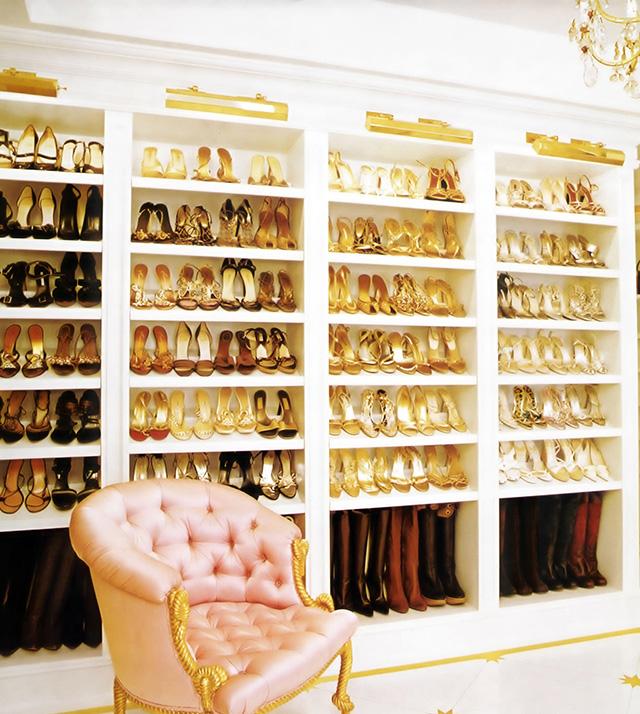 """""""Mariah Carey's closet"""""""