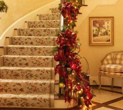 Christmas decor ideas for stairs Christmas decor ideas for stairs Christmas decor ideas for stairs Suzy q better decorating bible ideas how to Christmas d  cor theme gold red garland ornaments leaves mantel living room stair case banister wrap around ribbons glitte 405x365