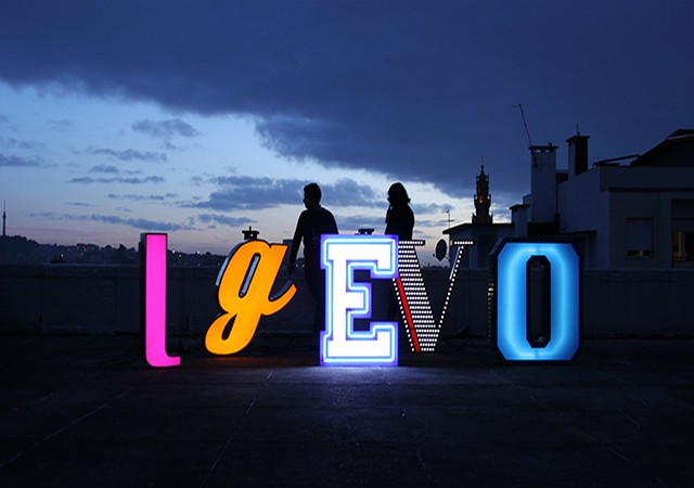 letter-neon-graphic-lamp-06a New year Eve party festive lights: how to prepare your New year Eve party letter neon graphic lamp 06a