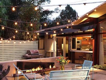 Glamorous-modern-home-decor-modern-midcentury-lighting-wall-lighting