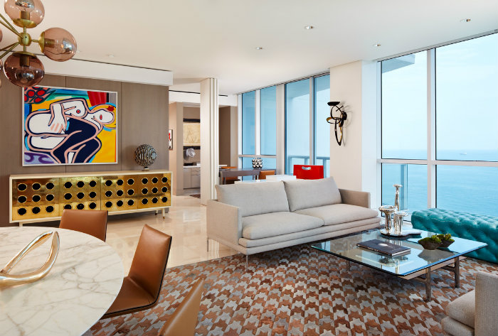 modern-home-decor-Top-Interior-Designers-Allen-Saunders-living-room The Most BeautifulProjects of ALLEN SAUNDERS The Most BeautifulProjects of ALLEN SAUNDERS bestinteriordesigners Top Interior Designers Allen Saunders Miami house
