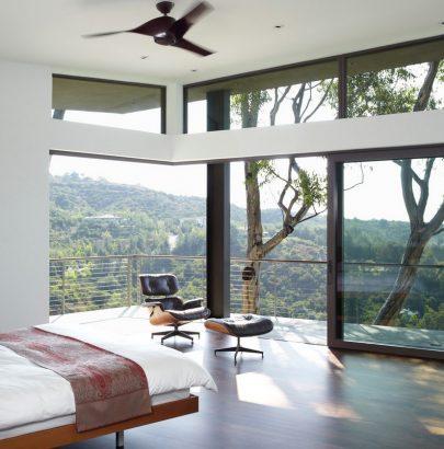SMALL BEDROOM IDEAS: MAKE YOUR ROOM LOOK BIGGER bedroom HOW TO MAKE YOUR SMALL BEDROOM LOOK BIGGER bedroomlighting 405x410