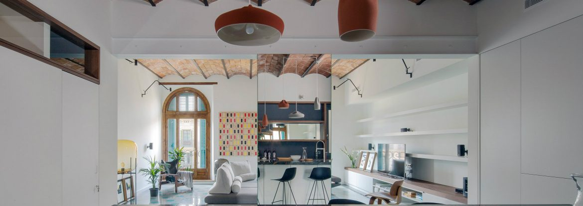 Well-placed mirrors make this small apartment look much bigger small apartment look much bigger Well-placed mirrors make this small apartment look much bigger Mirrors create the illusion of greater space in this Barcelona flat f
