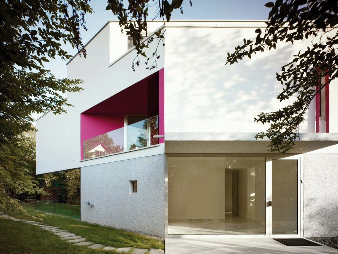 """This Minimalist House Proves Why """"Less is More"""" minimalist house This Minimalist House Proves Why """"Less is More"""" This Minimalist House Proves Why    Less is More    3"""