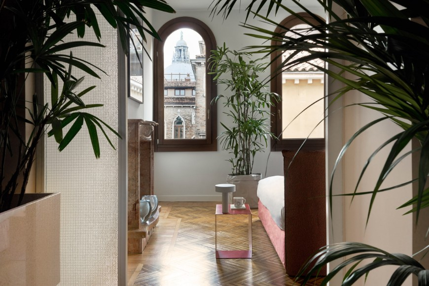 Discover This Stunning Apartment In The Heart Of Venice (2)
