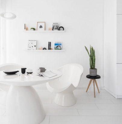 Tel Aviv Small Apartment In An All-White Colour Palette
