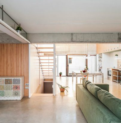 Modern House by SAU Taller de Arquitectura