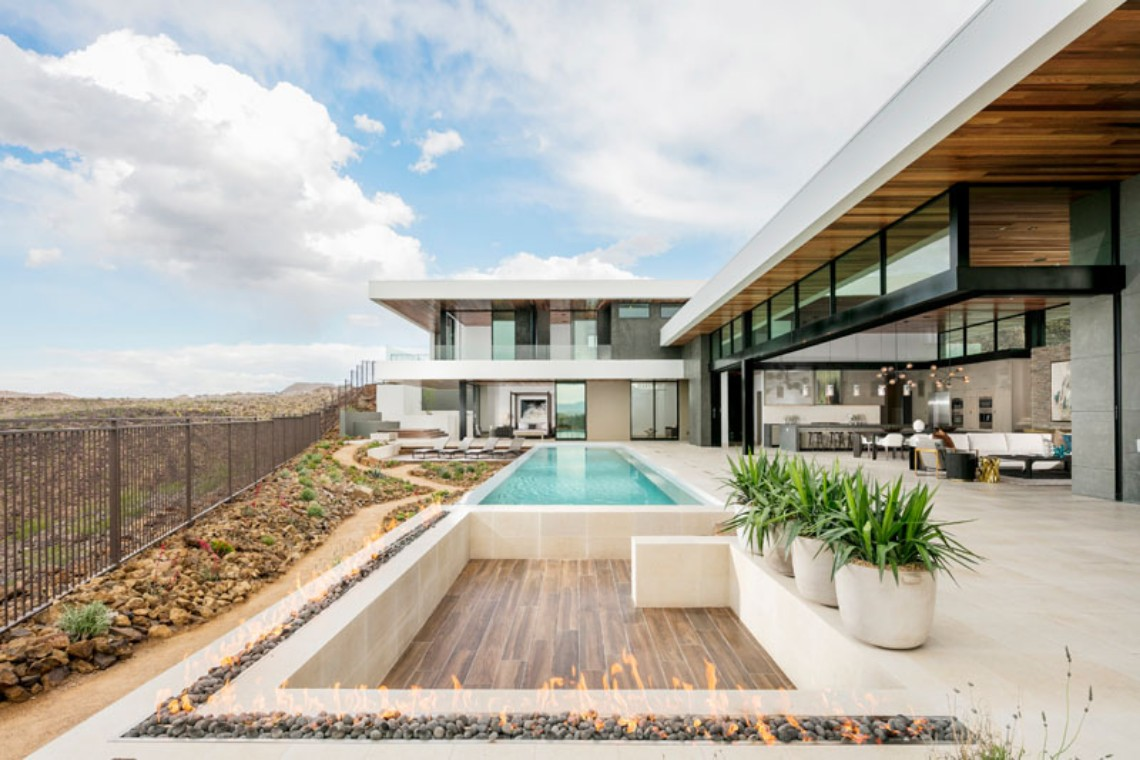 Around the World: Discover this Contemporary House in Las Vegas