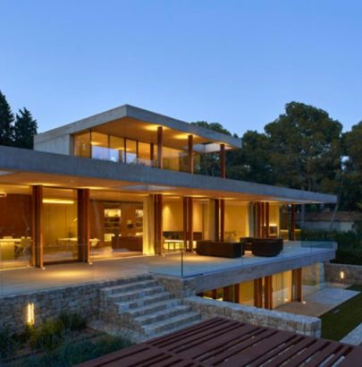 Around the World: Discover This Contemporary House in Madrid Contemporary House Around the World: Discover This Contemporary House in Madrid Around the World Discover This Contemporary House in Madrid 3 405x410