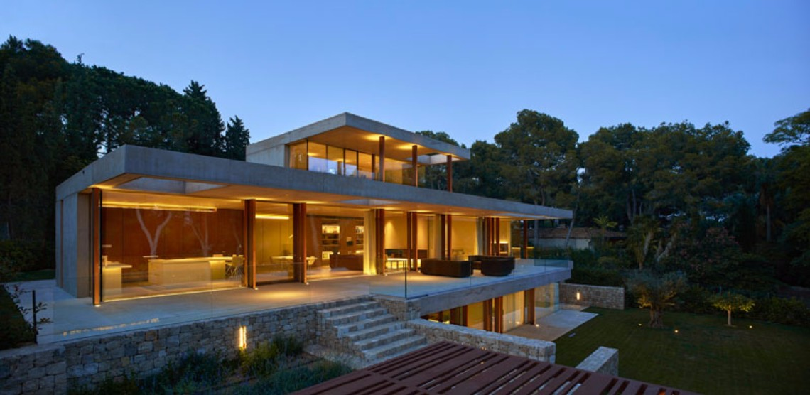 Around the World: Discover This Contemporary House in Madrid
