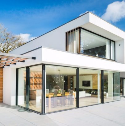 Around the World: Meet This Modern White House in England