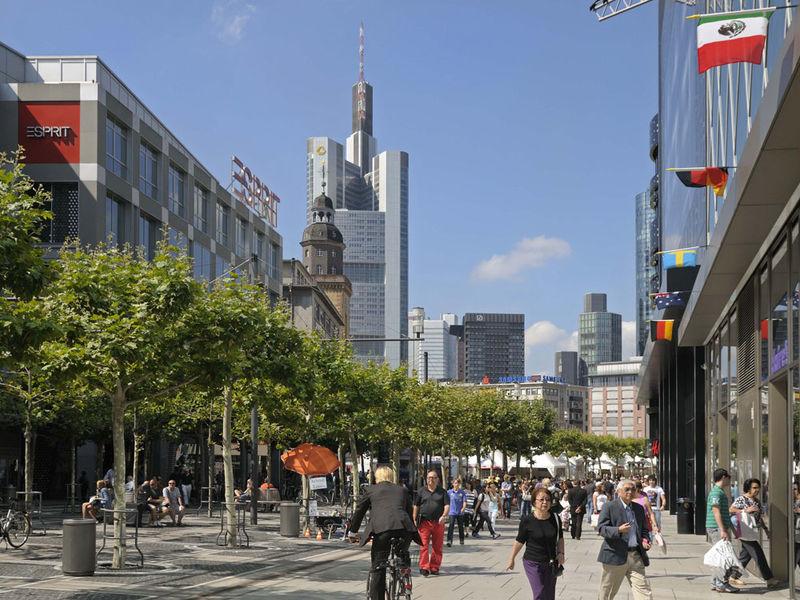 City Guide 2018 Frankfurt City Guide City Guide 2018: Frankfurt City Guide 2018 Frankfurt 61