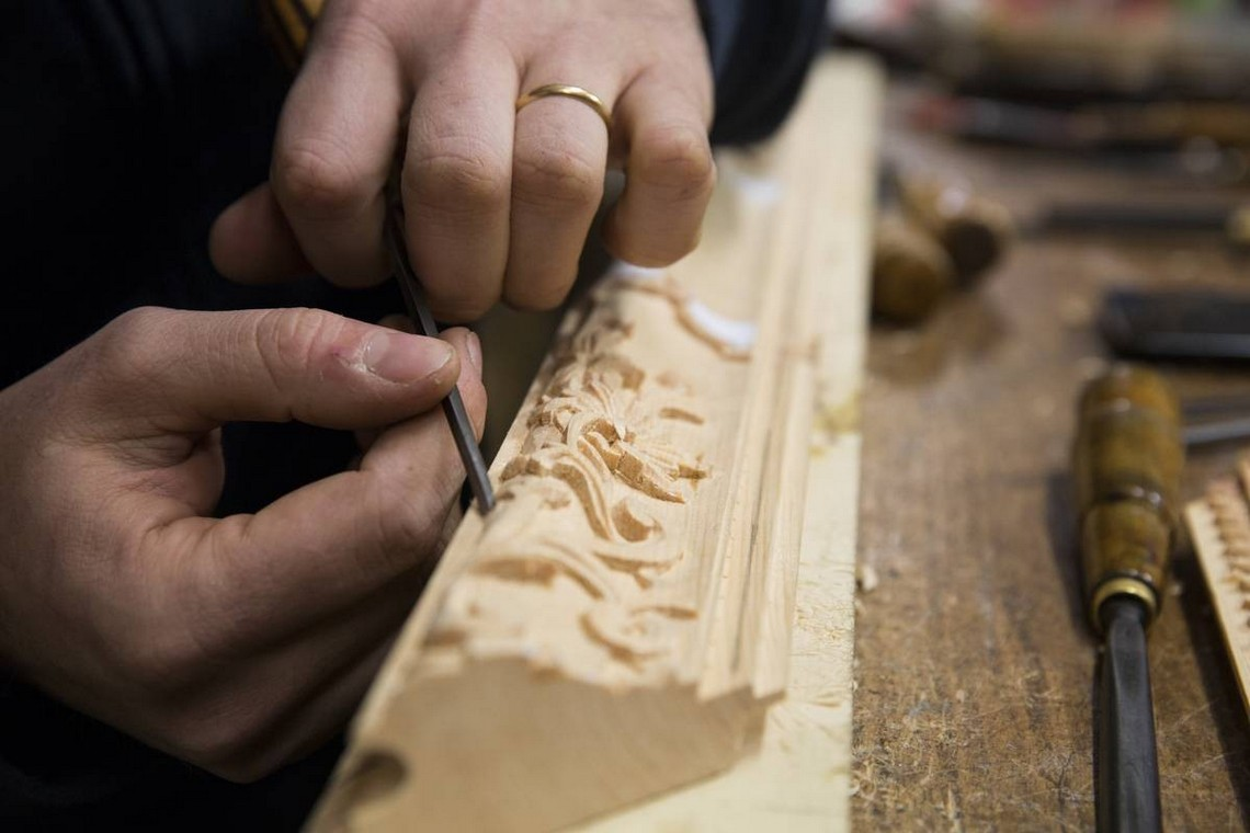 Craftsmanship: The Most Exquisite Italian Arts and Crafts craftsmanship Craftsmanship: The Most Exquisite Italian Arts and Crafts The Most Exquisite Italian Craftsmanship Wood Carving
